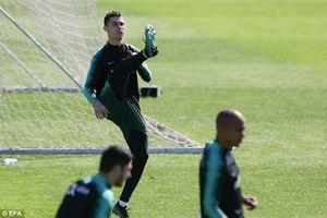 Ronaldo hào hứng khi sắp đối đầu với 'Messi Ai Cập'
