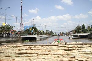 Hậu Giang đối thoại vụ xây cầu làm nghẽn đường thủy