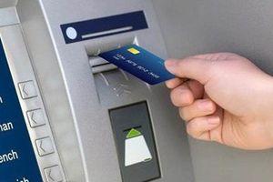 Bắt nhóm 4 người Trung Quốc dùng thẻ ATM giả chiếm đoạt tiền