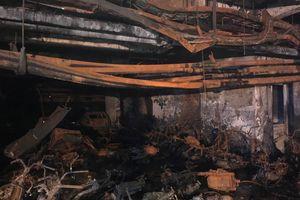 Cận cảnh hiện trường bên trong tầng hầm chung cư Carina Plaza