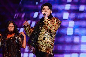 Noo cực bảnh, 'bùng nổ' sân khấu Hong Kong với ca khúc mới toanh từ Đỗ Hiếu