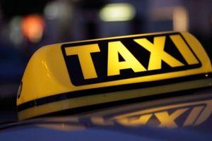 Xe Uber, Grab sẽ phải gắn biển 'Taxi điện tử'
