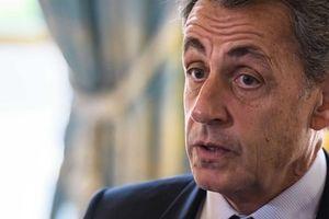 Cựu Tổng thống Pháp bị điều tra vì vụ 'nhận tiền từ Gaddafi'