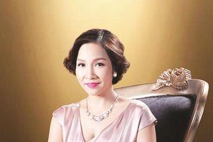 Chuyển động cùng: Mỹ Linh, Kiều Minh Tuấn, Nguyễn Quang Dũng, Hạ Vi, Lan Khuê.