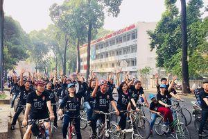 TP.HCM: Hàng trăm người đạp xe hưởng ứng Giờ Trái đất