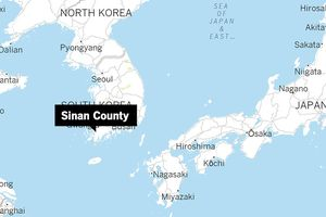 Giải cứu hơn 160 người trên tàu khách mắc cạn ở Hàn Quốc