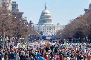 Hàng trăm ngàn người 'biểu tình vì mạng sống', phản đối chính phủ Mỹ