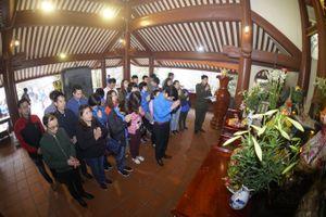 Đoàn Thanh niên Ban QLDA Đường Hồ Chí Minh dâng hương viếng Bác Hồ