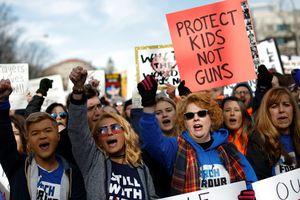 Người Mỹ biểu tình rầm rộ chống bạo lực súng đạn