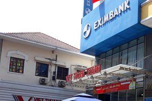 Khách VIP mất 245 tỷ: Khám xét, bắt giữ nhân viên Ngân hàng Eximbank TPHCM