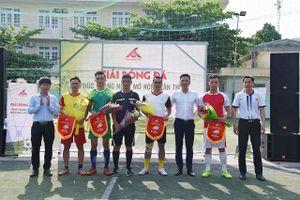 Hình ảnh ấn tượng tại giải bóng đá giao hữu Phúc Hoàng Ngọc