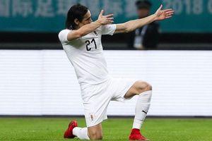Cavani 'nổ súng', Uruguay khiến xứ Wales và Giggs ôm hận
