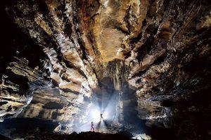 Trung Quốc tìm ra hang động dài nhất châu Á