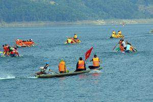 Rộn ràng Lễ hội đua thuyền trên lòng hồ thủy điện Sông Tranh 2