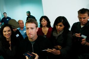 Bị Bộ tư pháp Mỹ 'tuýt còi', giá cổ phiếu của Facebook xuống dốc thê thảm