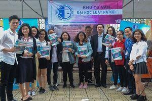 Ngày 1.4 trường ĐH Luật Hà Nội sẽ tổ chức Ngày hội tư vấn tuyển sinh – hướng nghiệp năm 2018
