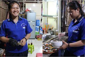 Cảm phục cô nữ sinh 16 tuổi tự mở quán bánh bèo, vừa kiếm tiền đi học vừa lo cho mẹ mắc bệnh nặng
