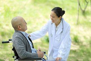 'Nhẹ gánh' tài chính cho bệnh nhân ung thư
