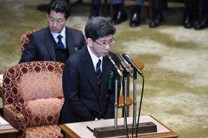 Thủ tướng Abe tạm thoát vụ bê bối bán đất công