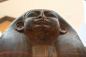 Bí mật bên trong một quan tài Ai Cập 2.500 tuổi
