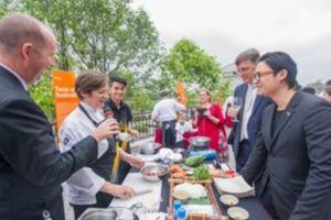Khám phá ẩm thực nước Úc với Luke Nguyễn qua chương trình 'Taste of Australia'