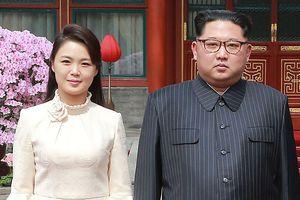 Vẻ rạng ngời của phu nhân ông Kim Jong-un 'đốn tim' dân Trung Quốc