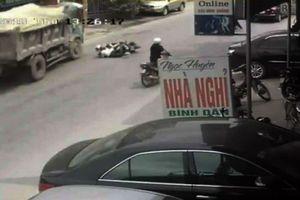 Hải Phòng: Cú đánh lái của tài xế cứu hai học sinh thoát khỏi tay tử thần