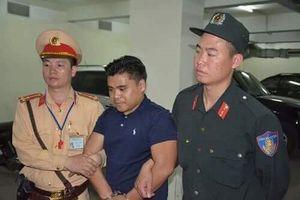 Quảng Ninh: Thản nhiên chở 100 bánh heroin trên xe ô tô BKS Lào