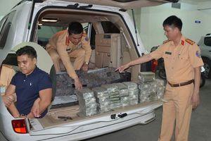 CSGT Quảng Ninh bắt xe biển số Lào chở 100 bánh heroin