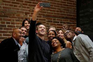 Mark Zuckerberg 'mất bạn, thêm thù' tại thung lũng Silicon