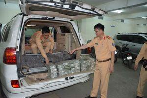 CSGT Quảng Ninh bắt giữ ô tô biển số Lào vận chuyển 100 bánh heroin