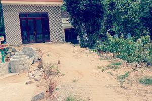Quảng Nam: Ngang nhiên xẻ khu mộ liệt sĩ làm đường vào nhà