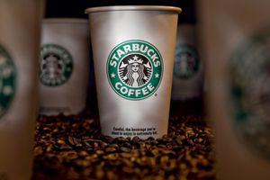 Buộc cà phê Starbucks phải dán nhãn cảnh báo ung thư