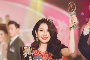 Chị song sinh của Nam Em đăng quang Người mẫu Thời trang Việt Nam 2018