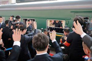 Đoàn tàu chống đạn bí ẩn của Kim Jong Un vào top ảnh tuần