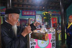 Lễ cầu ngư 'đặc biệt' của làng Nam Ô