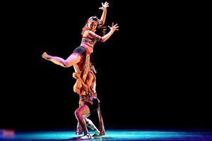 Sinh viên trường Múa trổ tài vũ đạo