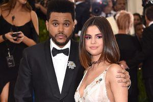 The Weeknd kể lại nỗi đau từng muốn hiến thận cho Selena Gomez