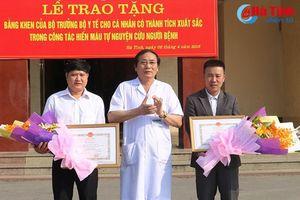 Bộ Y tế tặng bằng khen cho 2 cá nhân hiến máu cực hiếm cứu bệnh nhân
