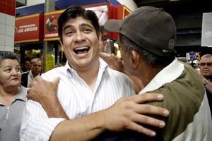 Ca sĩ nhạc Rock trở thành Tổng thống Costa Rica