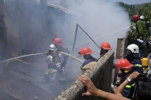 Nhanh chóng dập tắt vụ cháy ở xưởng gỗ