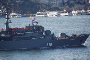 Chiến hạm Nga tiến về châu Âu giữa lúc căng thẳng ngoại giao