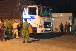 'Ma men' hành hung bảo vệ, lao xe vào cảnh sát làm nhiệm vụ