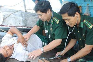 Bình Định tiếp nhận và cấp cứu khẩn cấp bệnh nhân đột quỵ trên biển
