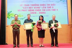 Trao giải thưởng 'Cây bút vàng' lần thứ 3