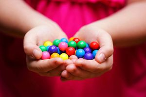 Ngậm kẹo ngọt giúp giảm stress