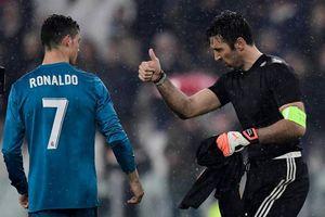 Ronaldo thần thánh khiêm nhường