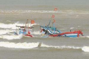 2 tàu cá ở Nghệ An bị 'tàu lạ' tông chìm