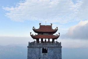 Hành trình 'mở cổng trời', khám phá miền đất Phật trên đỉnh Fansipan