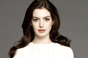 Anne Hathaway đáp trả những bình luận xấu về cân nặng của mình